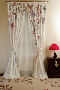 perdele dormitor ieftine online modele cu flori