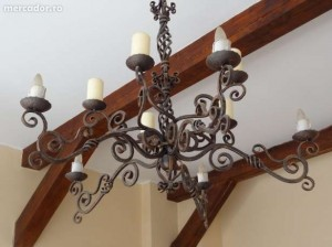 Obiecte decorative din fier forjat lustre
