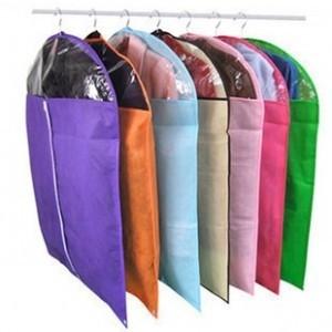 Huse pentru protectie haine pe umeras