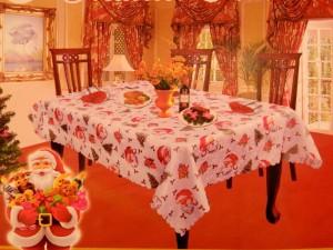 Fete de masa cu Mos Craciun cu reni