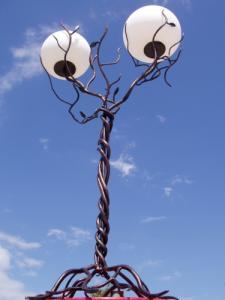 Lampadare de gradina decorative din fier forjat